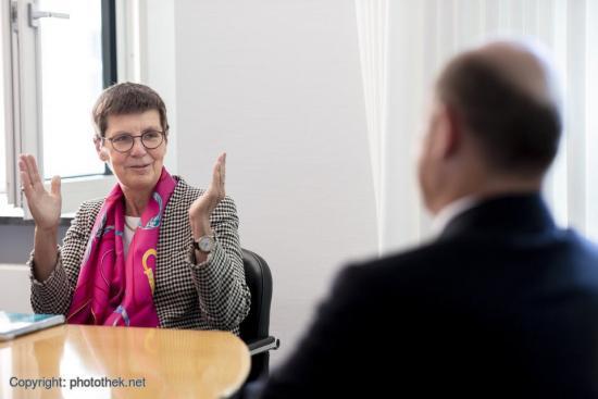 Dr. Elke König beim Gespräch im Bundesfinanzministerium