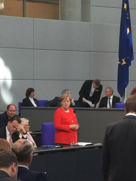 Bundeskanzlerin Angela Merkel bei der Regierungsbefragung